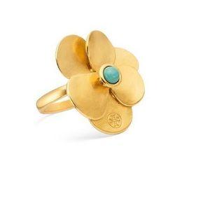 Tory Burch Flower Petal Ring in Metallic Size 7